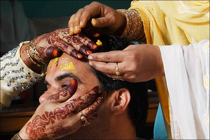 Muslim Wedding Photography – The Groom At The Manjha