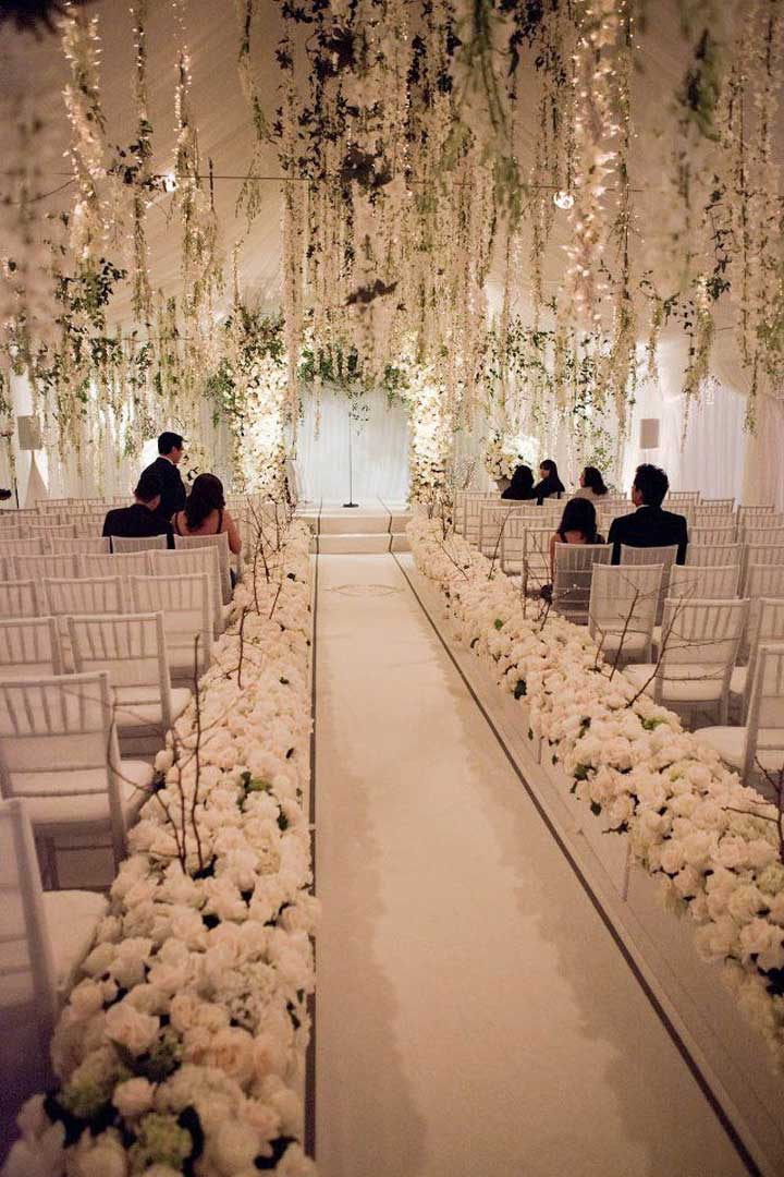 10 awesome wedding aisle decorations to choose from for Aisle decoration ideas for wedding