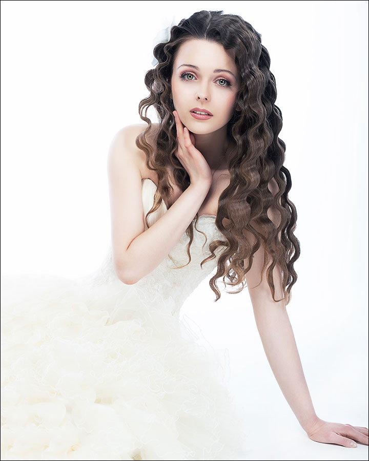 Shapely-Curls-Side-Down-Do-bridal-hair-style-for-curly-hair