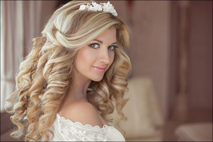 Voluminous-Curls-With-Tiara--bridal-hair-style