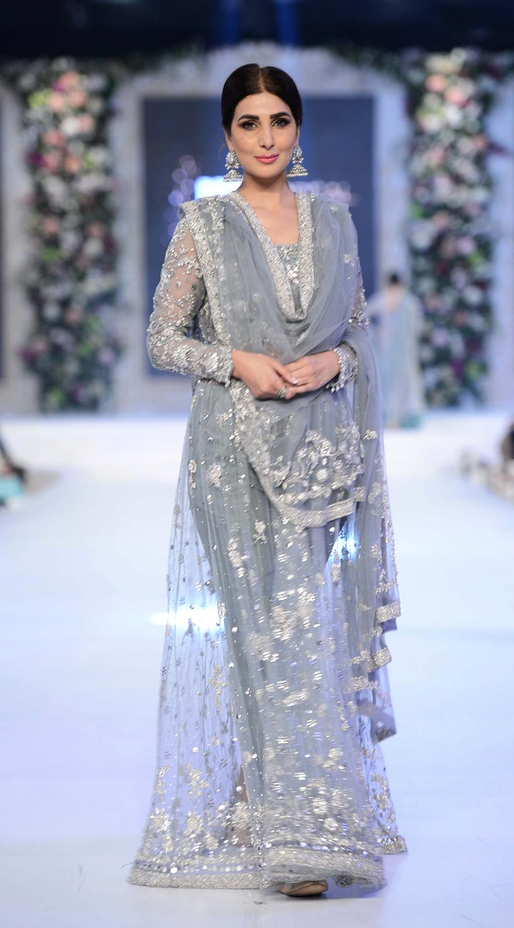 pakistan-bridal-dress-net lehenga