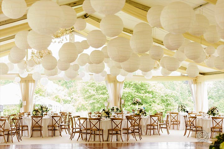 white-paper-lanterns-wedding-reception-decor