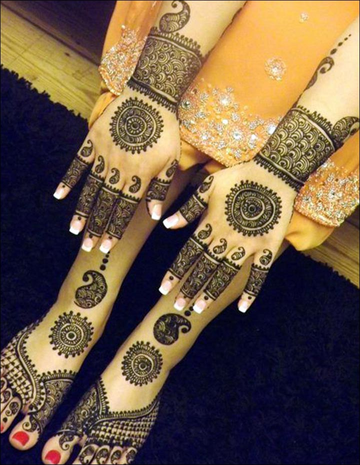 Round Mehndi Designs - Beautiful Matching Round Art For The Hands And Feet