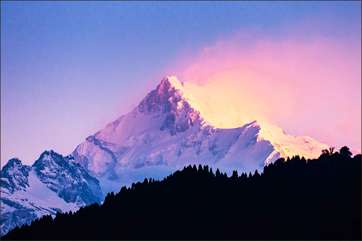 Honeymoon Destinations In India In May - Darjeeling