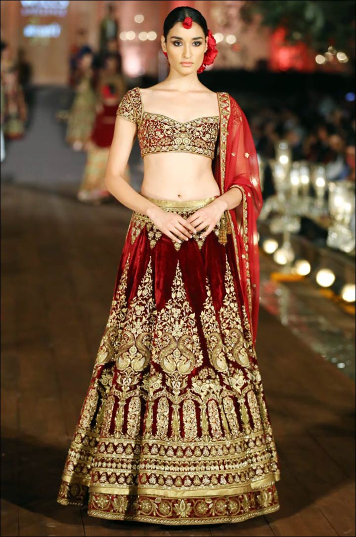 Rohit-Bal's-Magic-in-velvet-lehenga