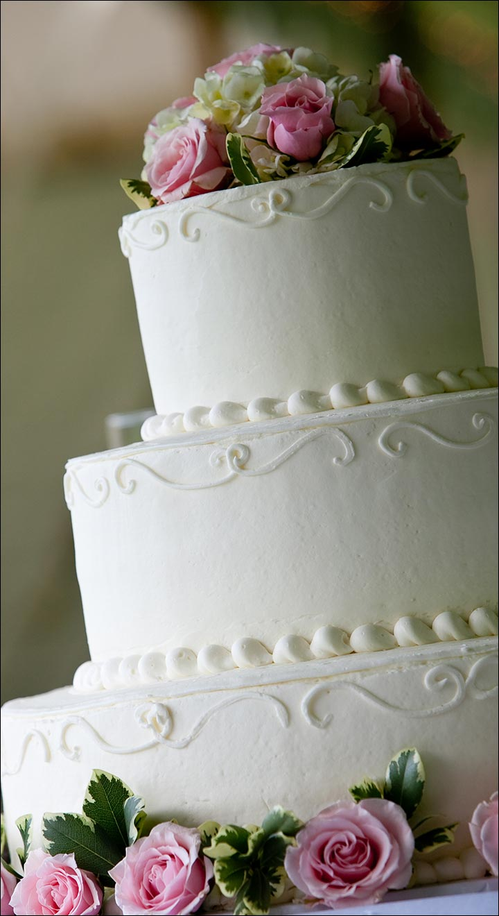 A Simple Layered Wedding Cake