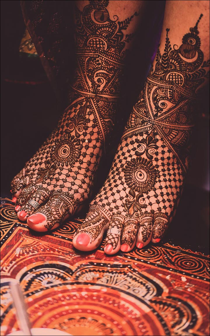 Marathi Mehndi Design - Squares And Dots For The Feet