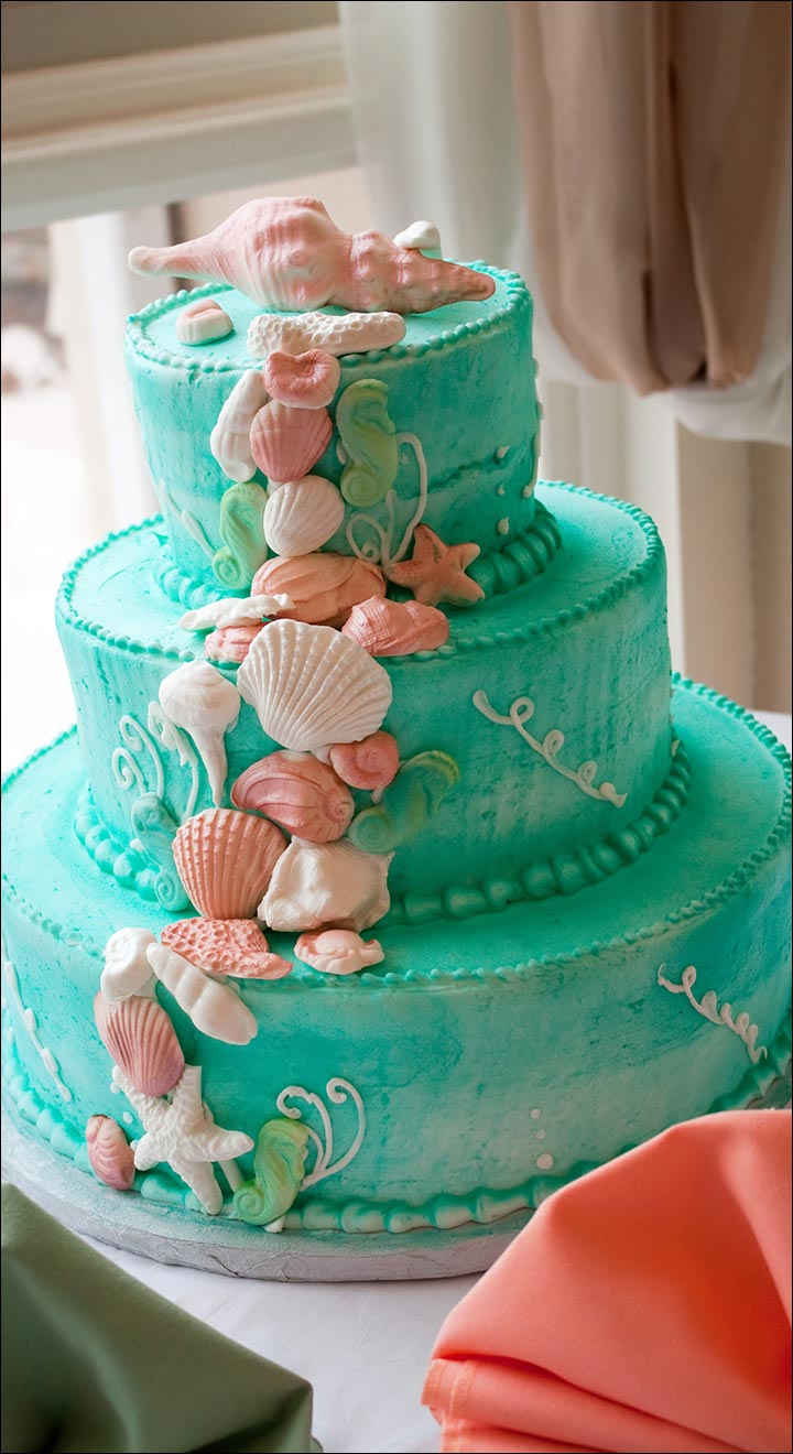 The Blue Beach wedding cake