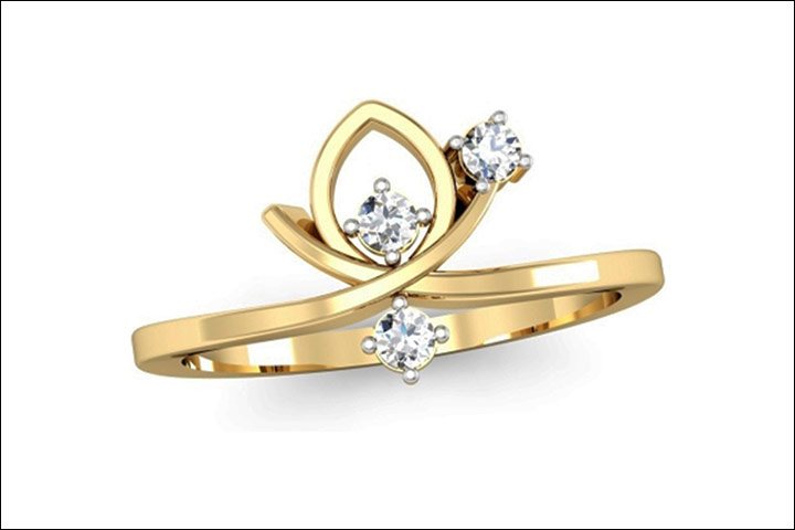 Three-Stone-Diamond-Engagement-Ring-With-Droplet-Motif-In-Yellow-Gold