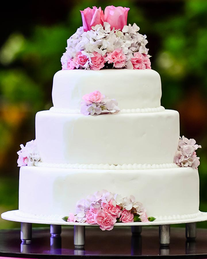 The Flower Power Wedding Cake