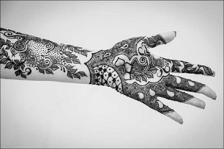 A-Mix-Of-Design-Elements--Kiran-Sahib-Mehndi-Designs
