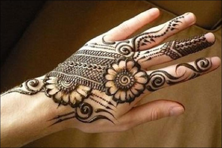 Simple Mehandi Designs - Accentuated Back Of The Hand