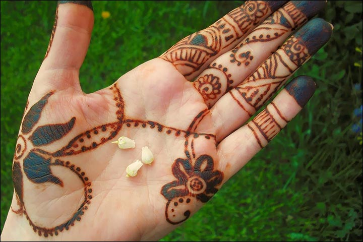 Simple Mehandi Designs - Bare Minimum