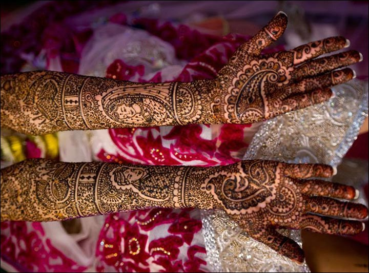 Rajasthani Bridal Mehndi Designs For Full Hands - Elaborate Yet Elegant