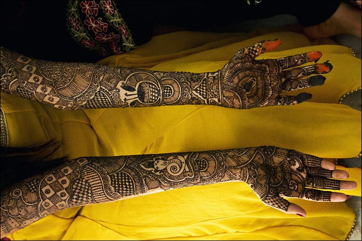 Rajasthani Bridal Mehndi Designs For Full Hands - Fine Lines. Fine Design.