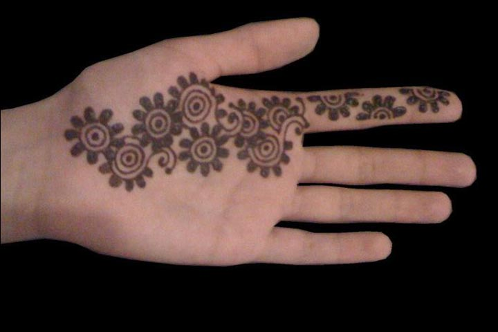 Simple Mehandi Designs - Floral Beauty