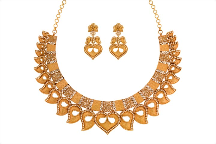 Simple golden necklace designs
