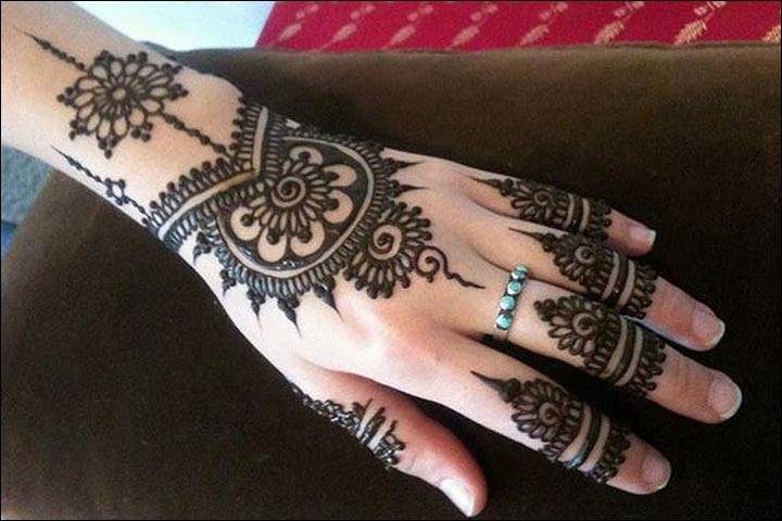 Simple Mehandi Designs - Modern