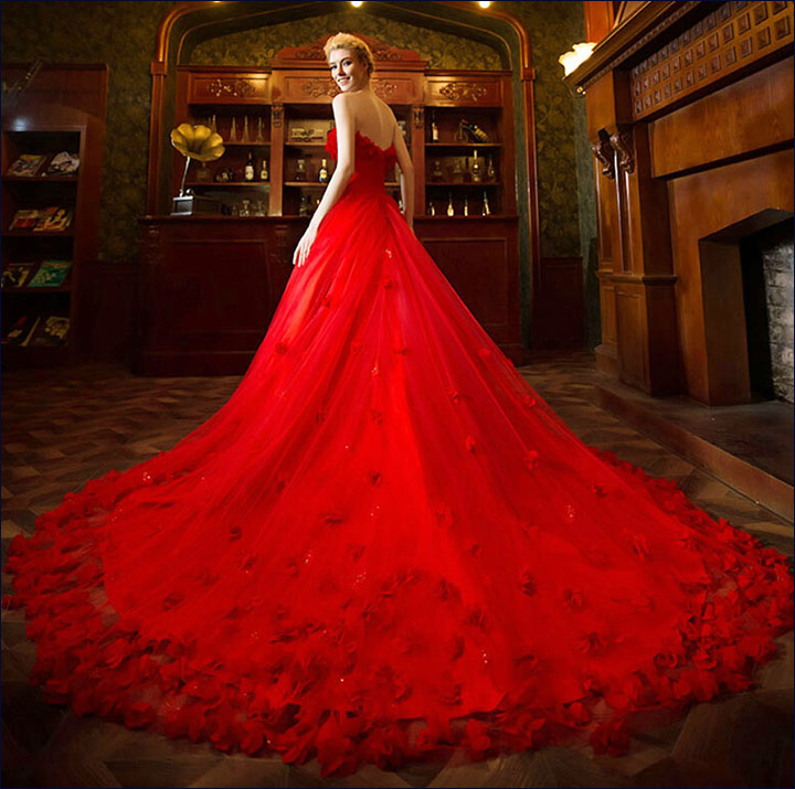 Wedding Gowns With Red: 10 Ravishing Bridal Ideals For The Red Gown For Wedding