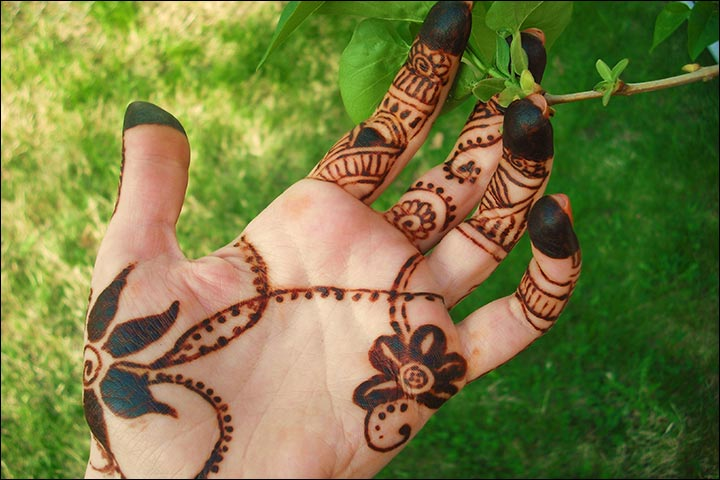 Dubai Mehndi Designs - Ornamental Pattern Design