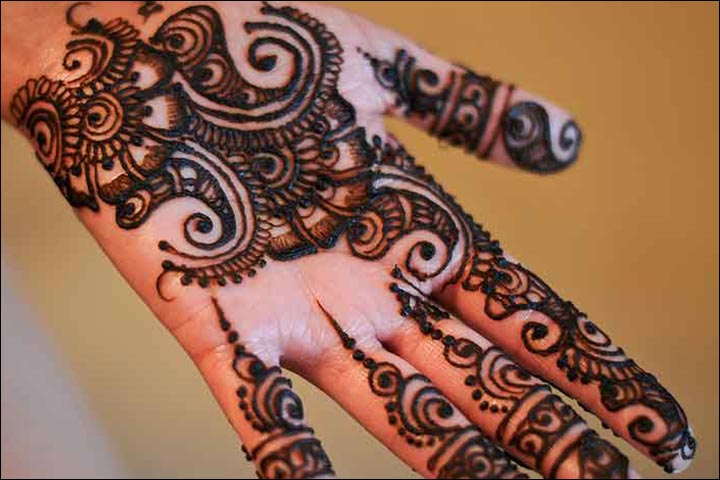 Simple Mehandi Designs - Pretty Pattern
