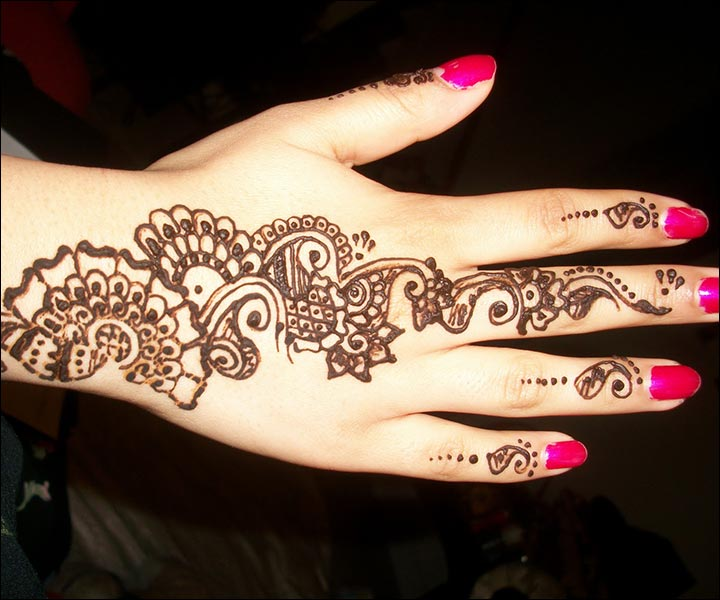 Simple Mehndi Designs - Back Of Hand