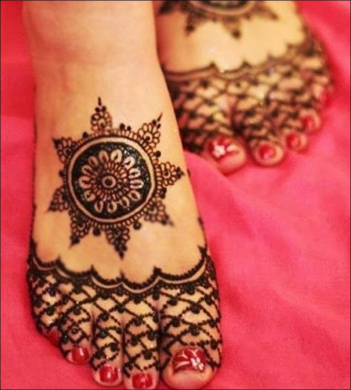 Simple Mehandi Designs - Simple Feet Design