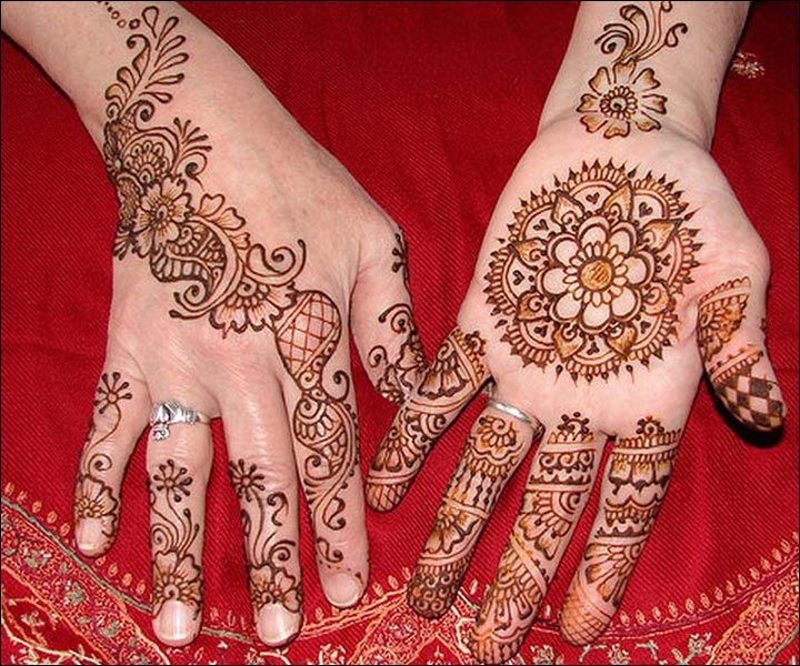 Circle Mehndi Designs - Blossoming Flower Circle Mehndi Design
