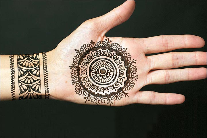 Circle Mehndi Designs - Circular Mehndi Design With Bracelet Pattern