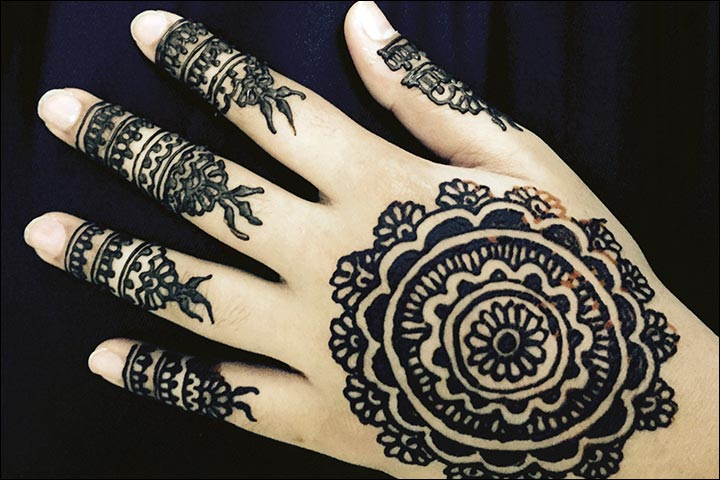 Circle Mehndi Designs - Dark Mehndi Flower Circle Design