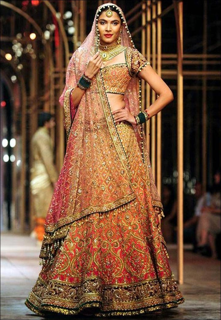 15 Trendy Engagement Lehengas To Go For This Season