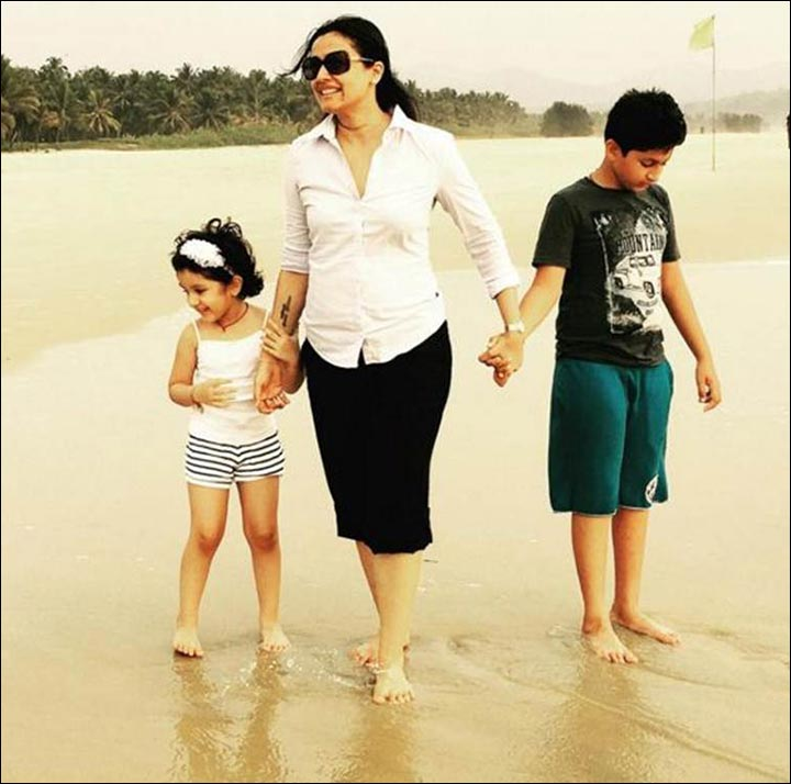 Mahesh Babu Marriage - Namrata With The Kids Gautham And Sitara