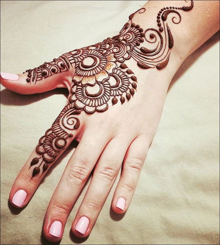Back-hand Arabic Mehndi Design