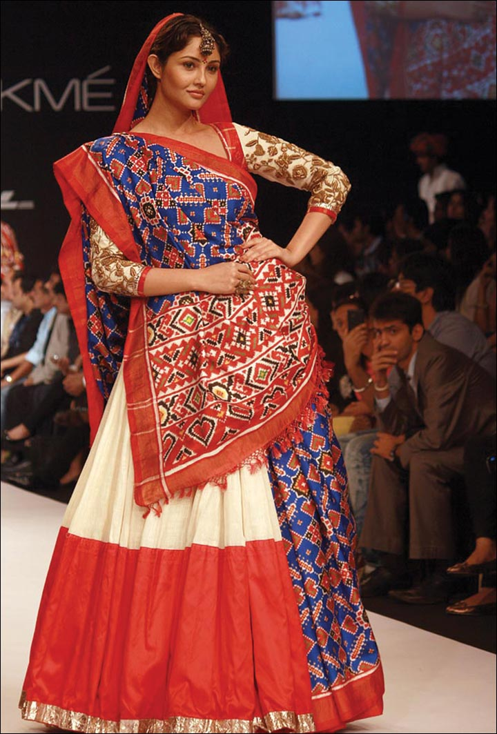 Ghagra Choli For Wedding 25 Gorgeous Indian Lehenga Ensembles