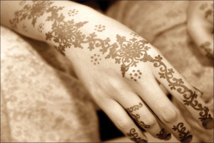 Arabic Mehndi Design - Ravishing Florals