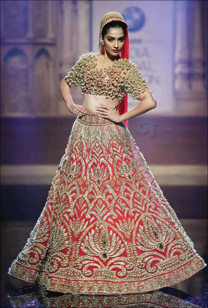 Ghagra Choli For Wedding - Red And Gold