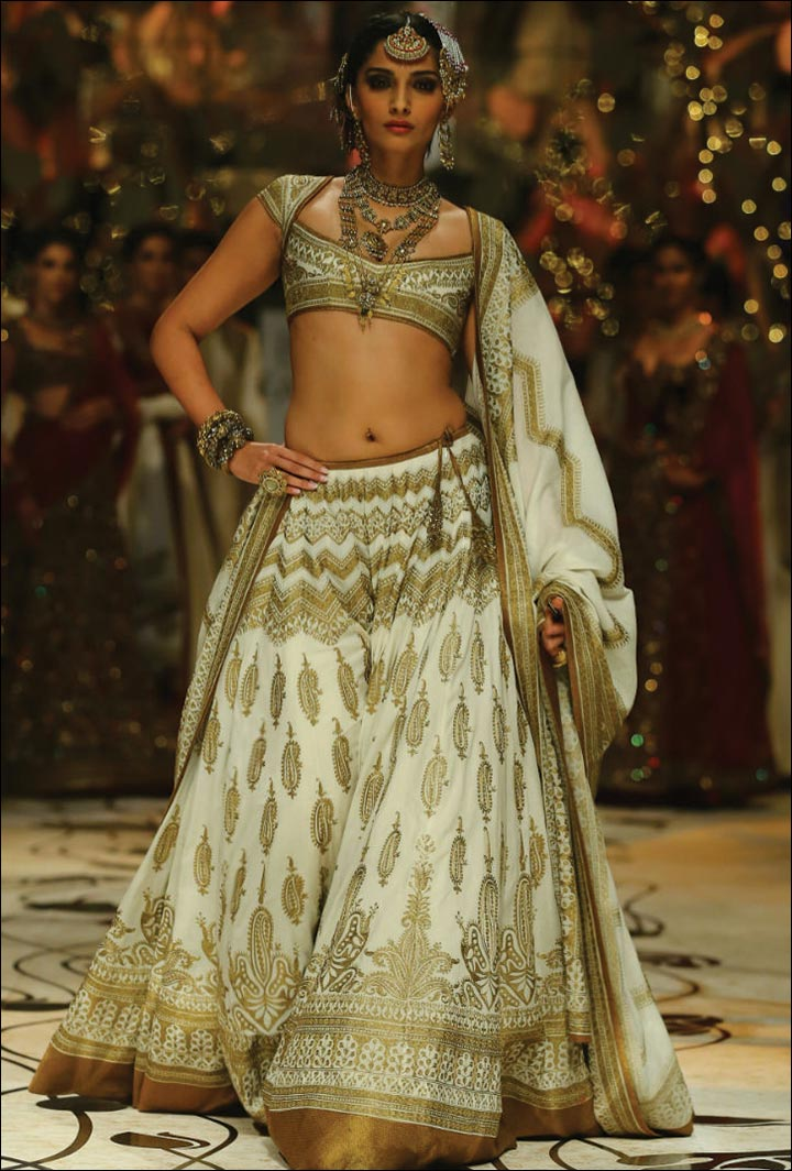 Ghagra Choli For Wedding - White And Gold Never Gets Old