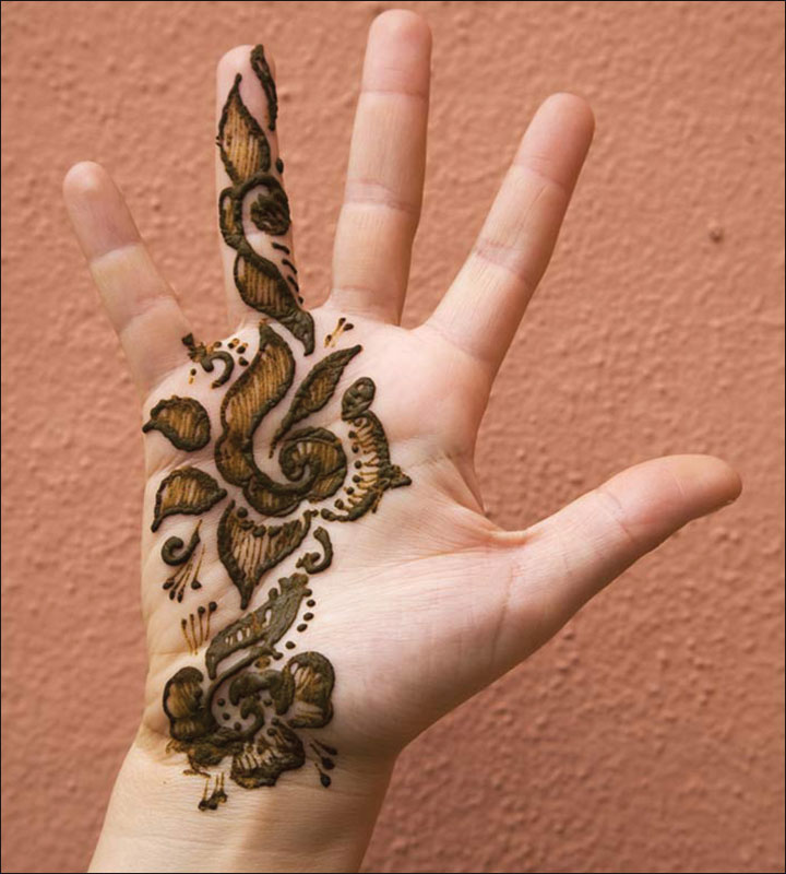Small and Simple Arabic Mehndi Design
