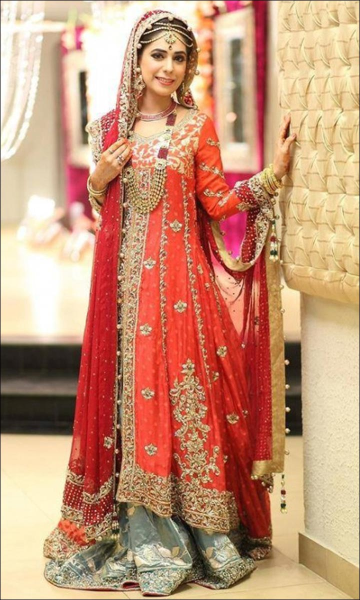 Beautiful Designs Of Mehndi Dresses