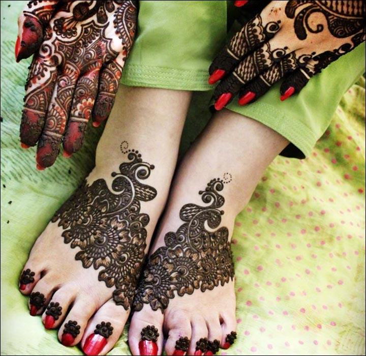 Dolled-Up-Pakistani Mehndi Designs