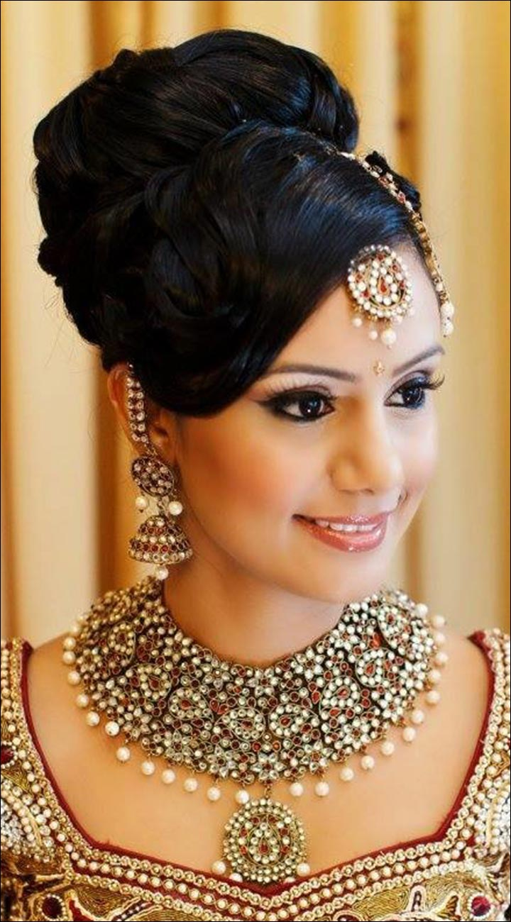 hindu bridal hairstyles 14 safe hairdos for the modern day bride. Black Bedroom Furniture Sets. Home Design Ideas