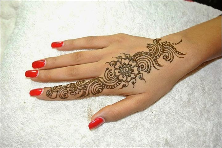 Minimal-&-Magnificent-Pakistani-Mehndi-Design