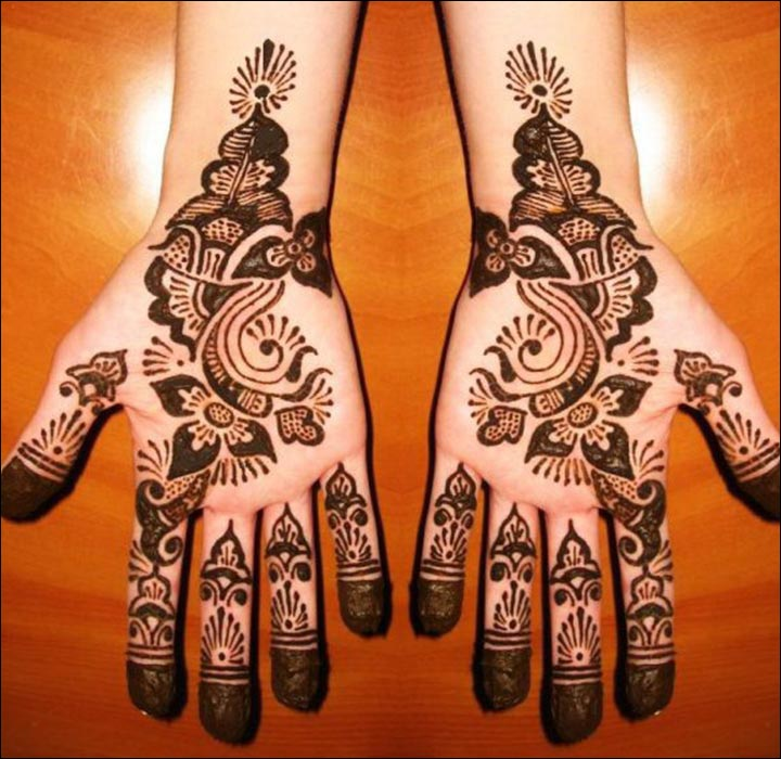 Pakistani Mehndi Designs - Painted Tips