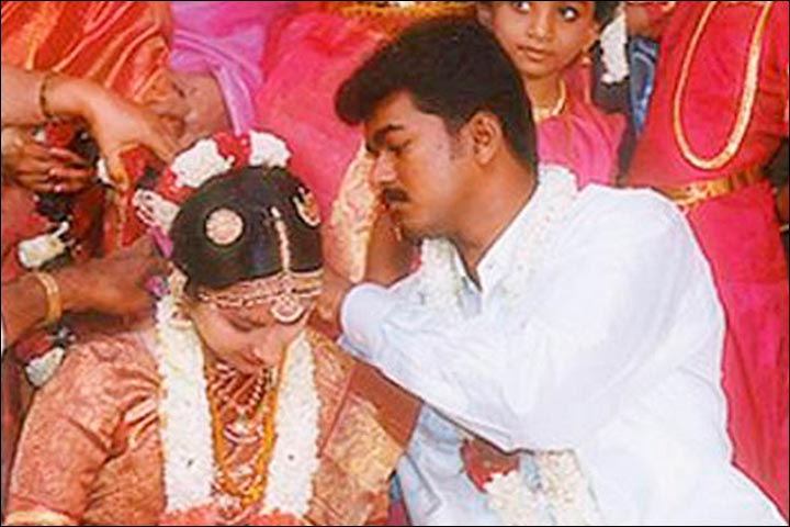 Vijay Marriage When The Tamil Superstar Fell For His Fan