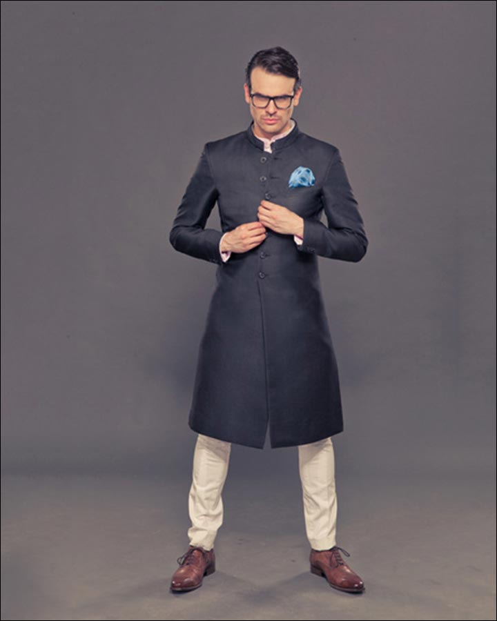 Classic-Jodhpuri-Suit-By-Raghavendra-Rathore-Indian Wedding Suits For Groom