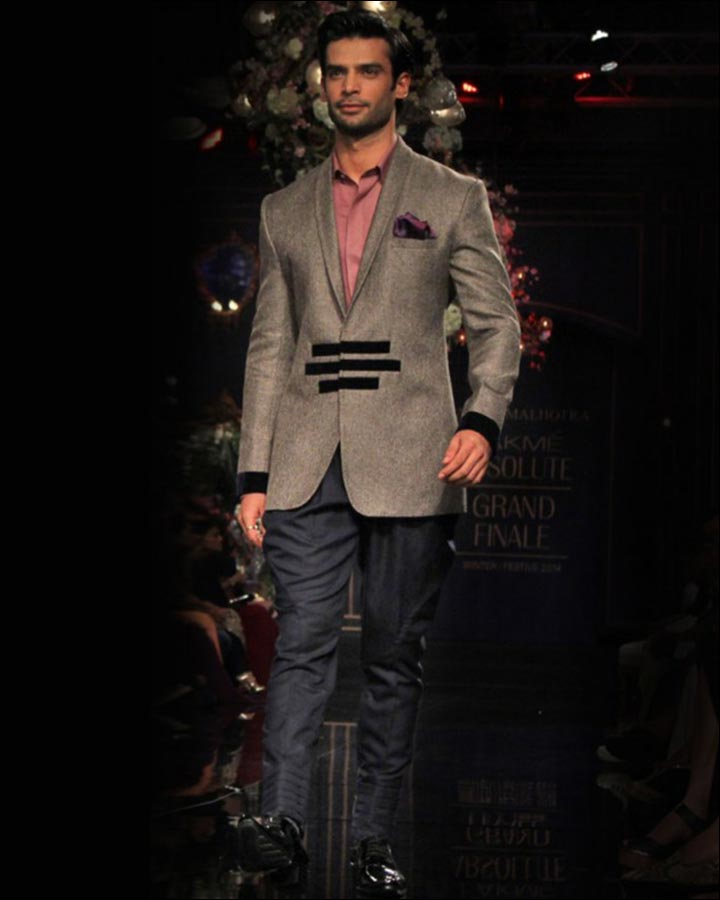 Gray-Textured-Jacket-By-Manish-Malhotra-Indian Wedding Suits For Groom