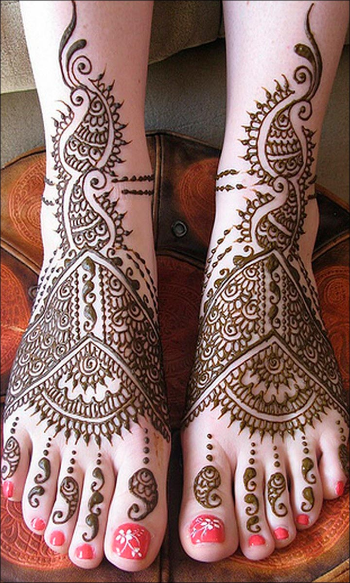 Paisley-Foot-Mehndi-Design-Arabic Foot Mehndi Designs
