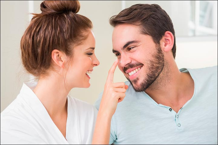 Signs Of True Love From A Woman - She Feels Comfortable Around You Without Make-up