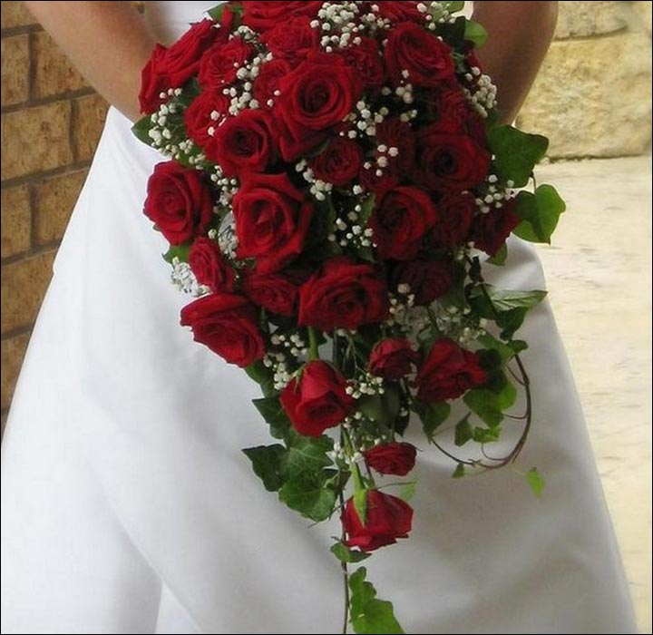 Red Rose Wedding Bouquets A Flowing Trail