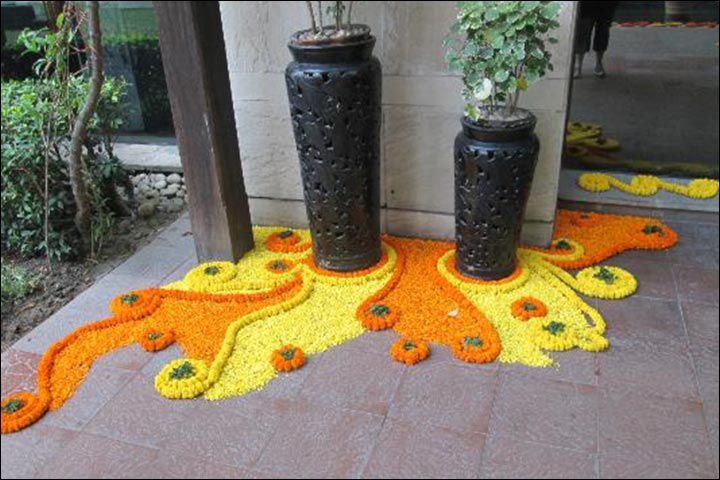 Flower-Rangoli-Decoration-wedding-house-decoration